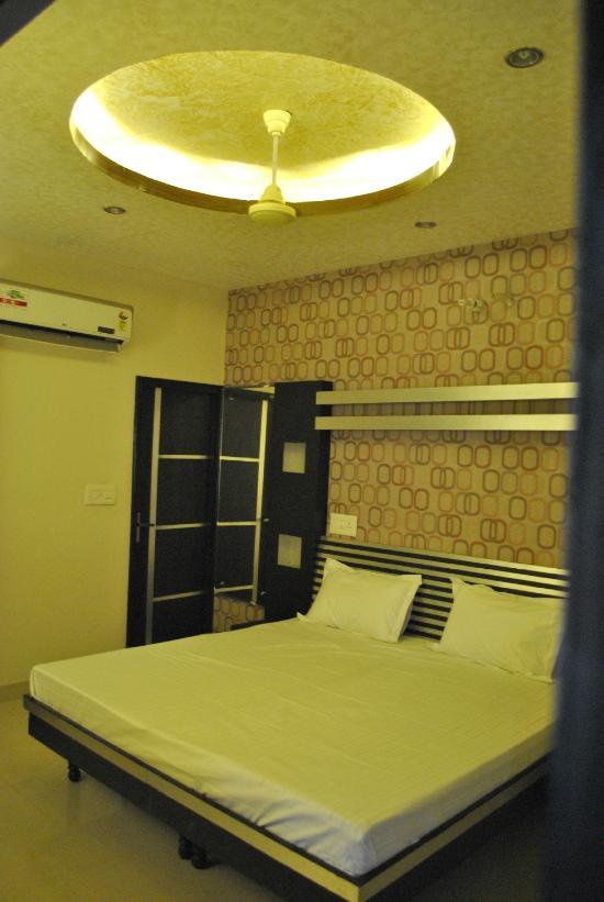 Akash Motel