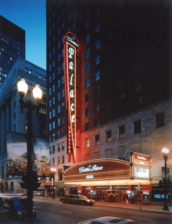 Restaurants Near Cadillac Palace In Chicago