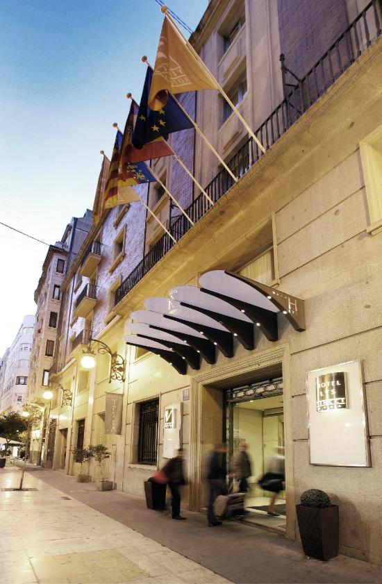 Vincci lys valencia spain hotel reviews tripadvisor for Top design hotels valencia