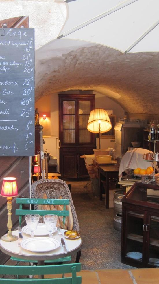 Popular restaurants in bonifacio tripadvisor for Restaurant bonifacio port