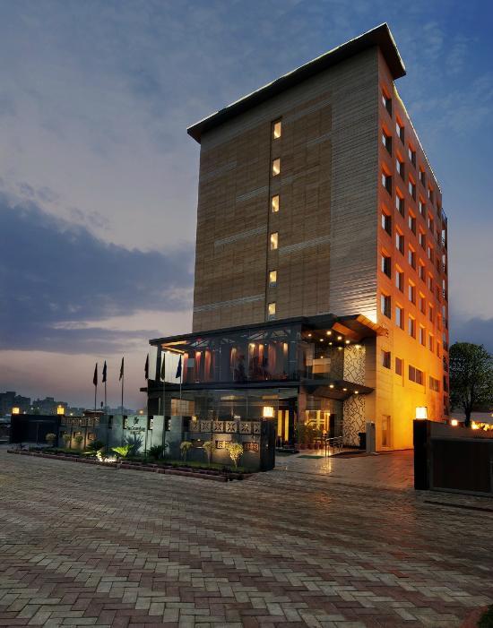 The Golden Palms Hotel Spa New Delhi