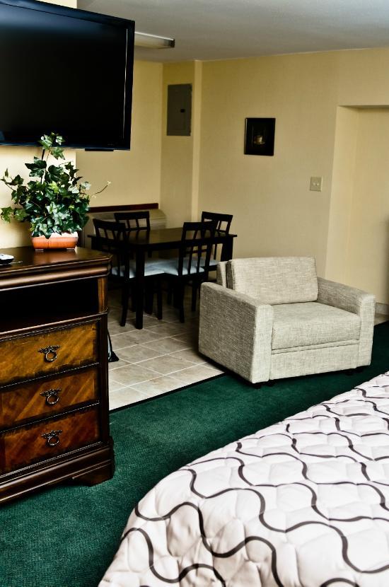 Pacer Inn And Suites Delaware 套房飯店