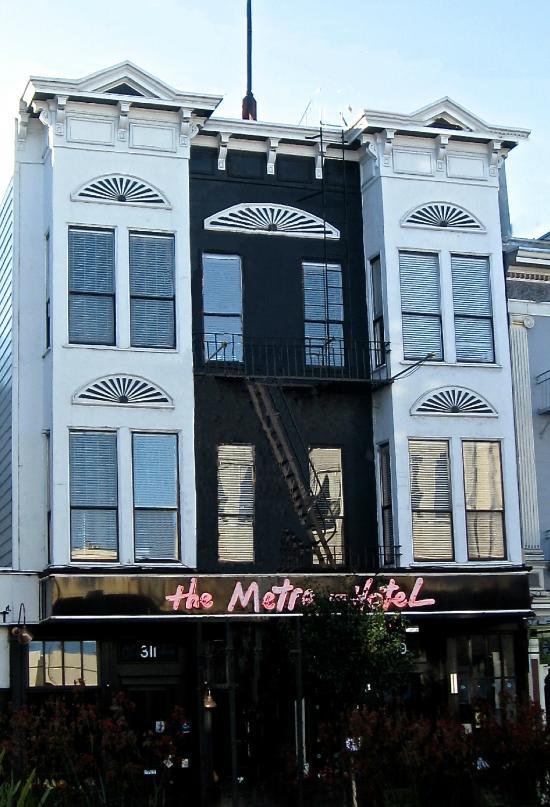 The Metro Hotel