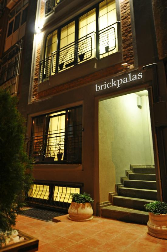 Brick Palas