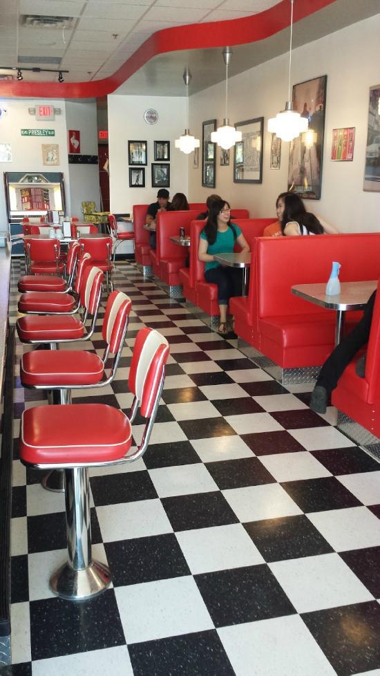 Rockin' Robyn's Diner