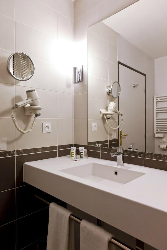 水星里昂夏爾佩納酒店