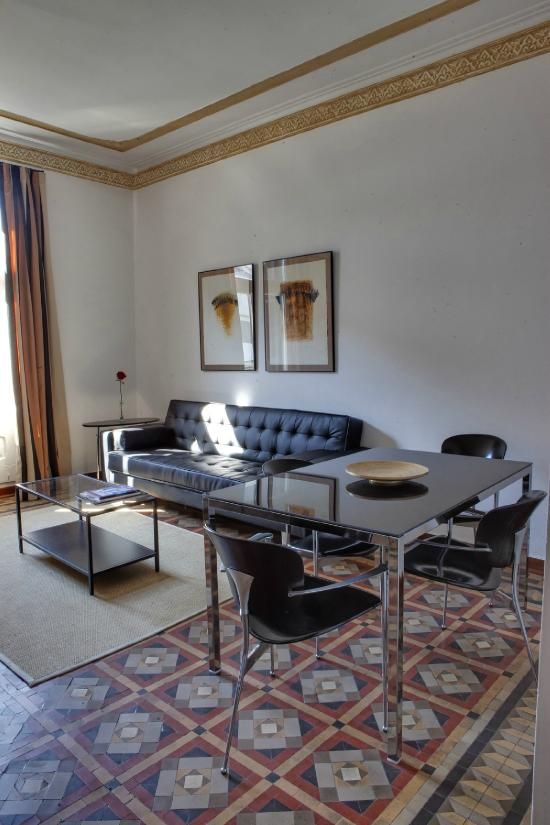 巴塞隆那瓦爾公寓酒店