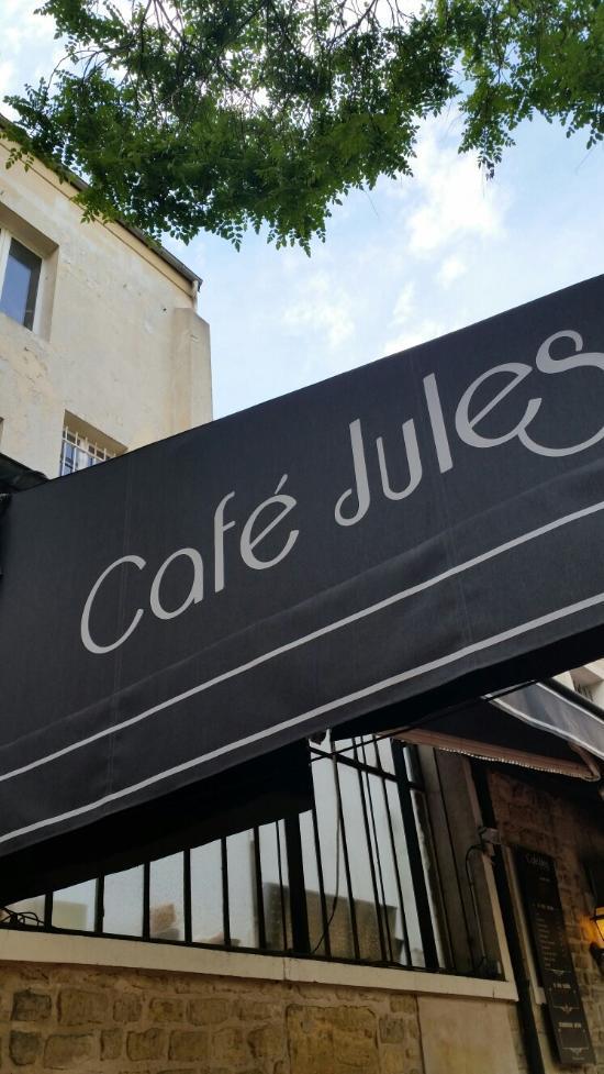 Au Cafe Jules A Saint Germain En Laye  Rue Saint Pierre