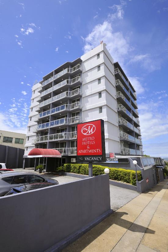 格萊斯頓新城酒店及公寓