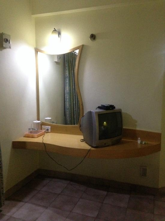 Tom's Hotel Bangalore