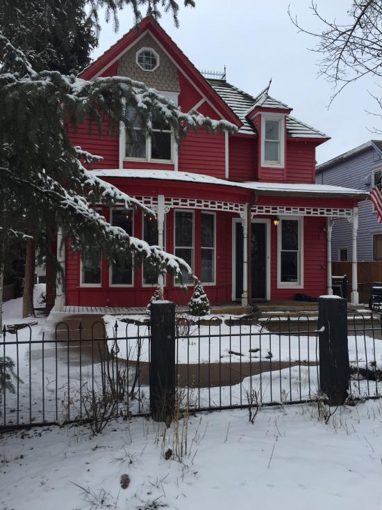 Little Red Ski Haus