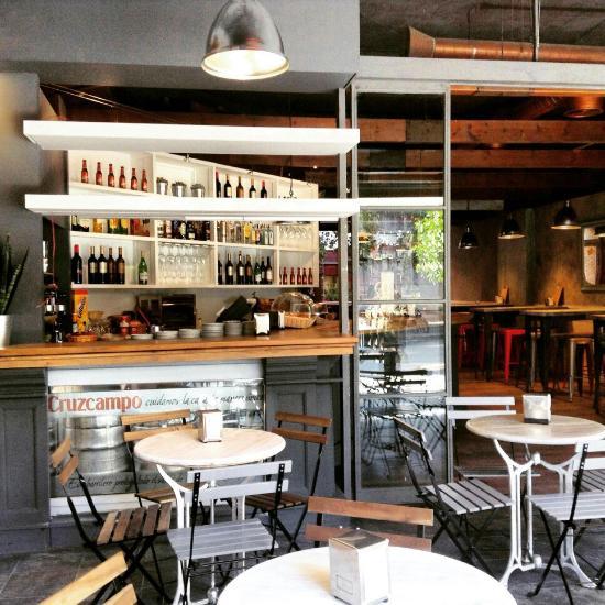 Restaurante atelier en sevilla con cocina otras cocinas for Cocinas espanolas modernas