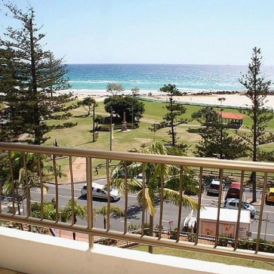 beach house seaside resort  classic holidays coolangatta hotel, beach house coolangatta accommodation