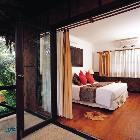 Phi Phi Beach: Phi Phi Island Village Beach Resort (Ko Phi Phi Don