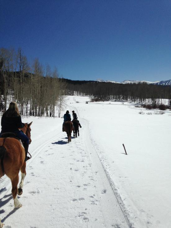 Things To Do in Granby Ranch, Restaurants in Granby Ranch