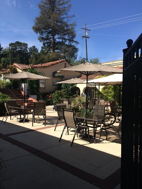 Garden Inn Hotel