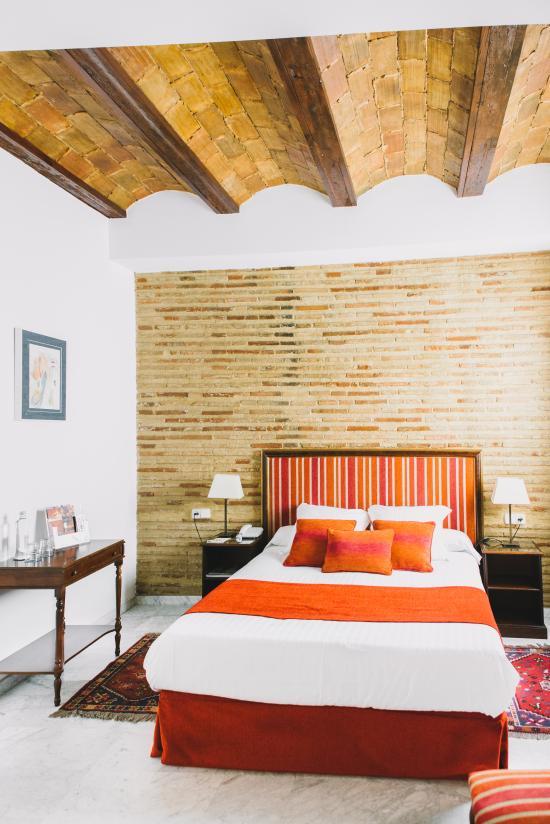 Ad Hoc Monumental Hotel