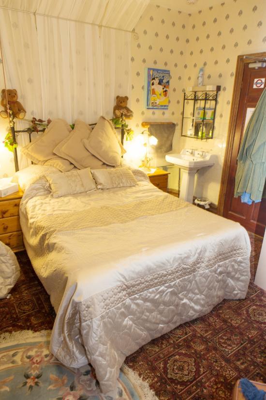 Ye Sleeping House