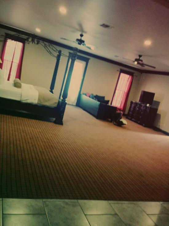 Executive Inn & Suites - Jefferson