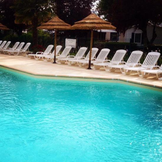 Camping la borderie campground reviews price for Camping st palais sur mer avec piscine couverte