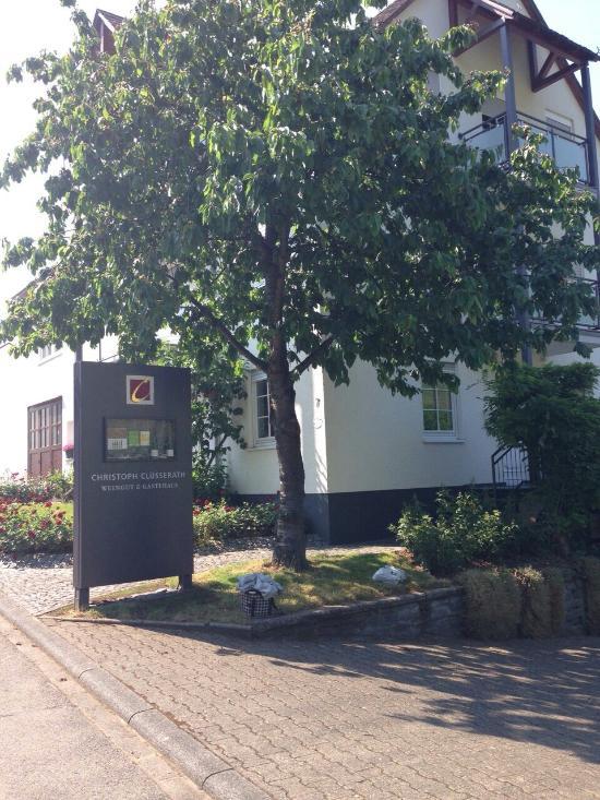 Weingut & Gäestehaus Christoph Clüesserath