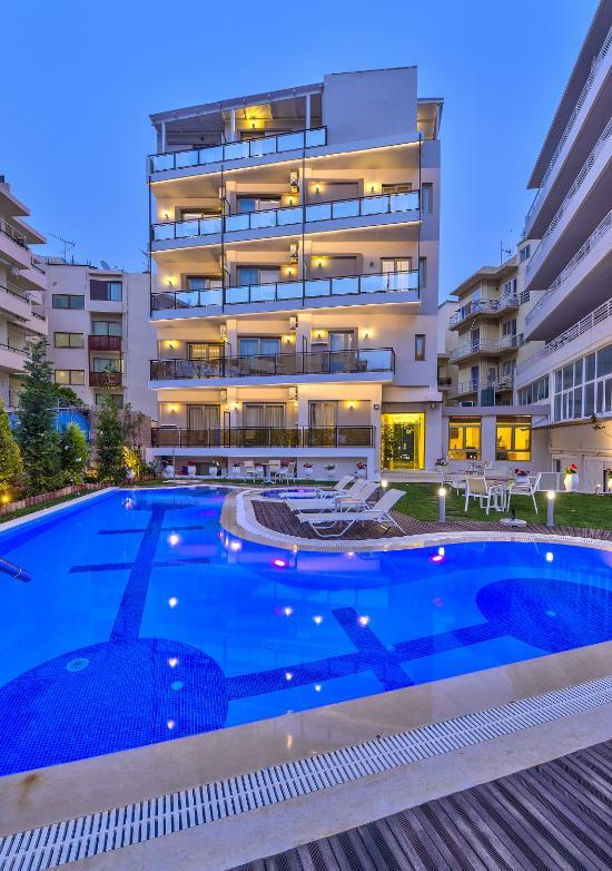 Leonidas Hotel & Apts