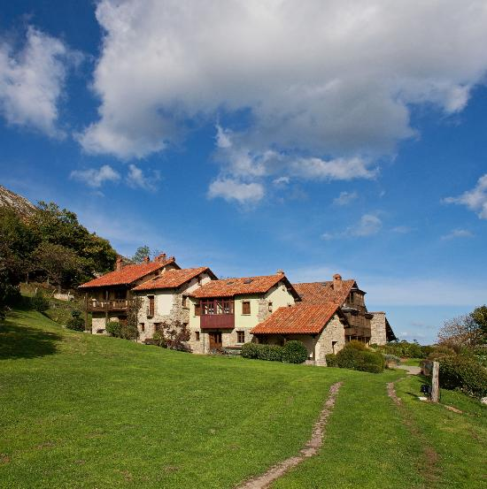La montana magica allende espa a opiniones y for Hotel familiar montana