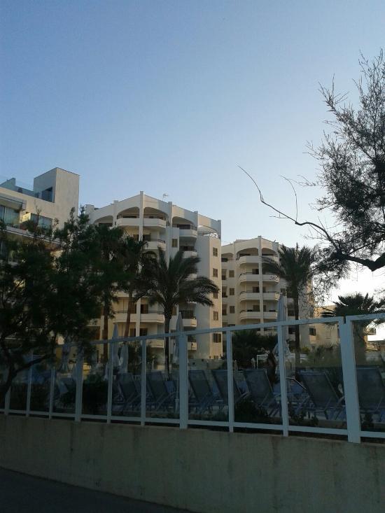Midas Apartments