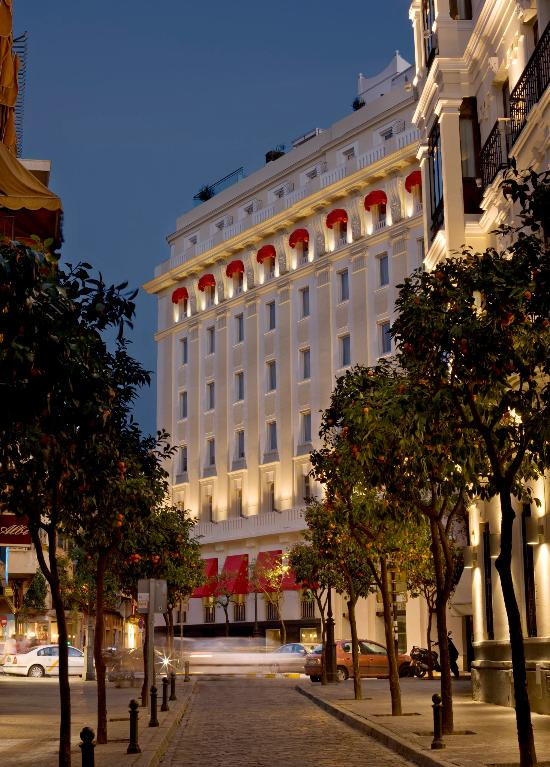 Hotel becquer updated 2017 reviews price comparison for Gran melia hotel