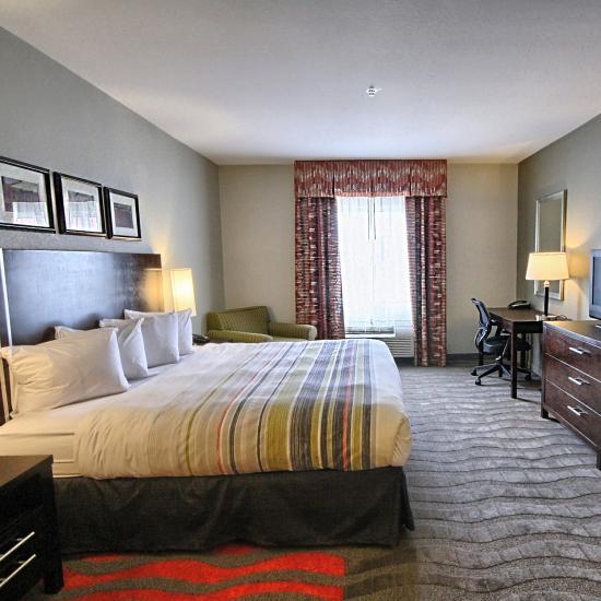 Hotel Rooms In Dearborn Michigan