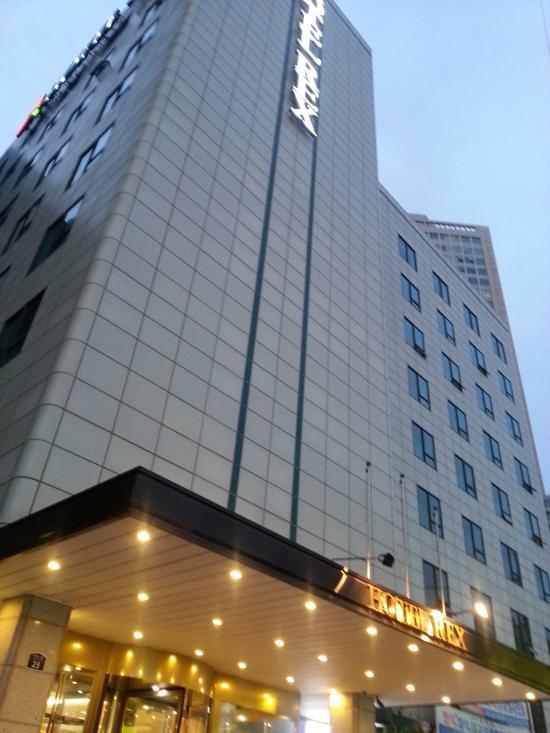 โรงแรมโซลเรกซ์