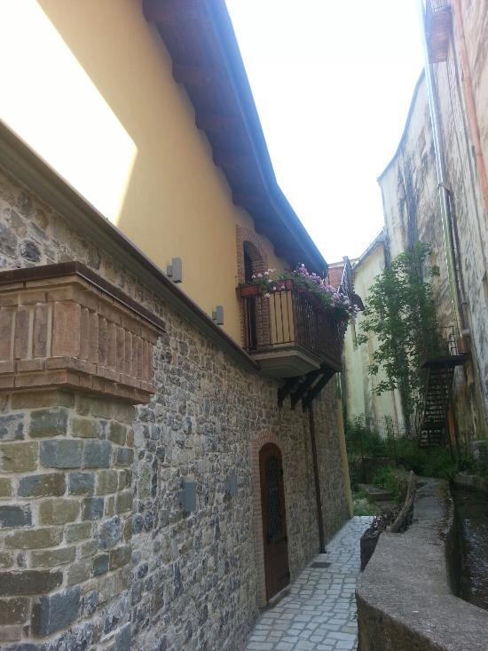 Historic boutique hotel maccarunera campagna italien for Historic boutique hotel