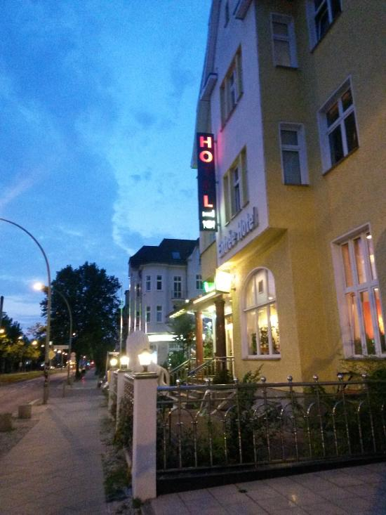 Entree hotel karlshorst updated 2016 reviews price for Entree hotel