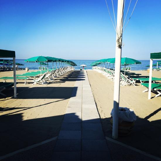 Bagno la bussola marina di massa ristorante recensioni numero di telefono foto tripadvisor - Bagno milano marina di massa ...