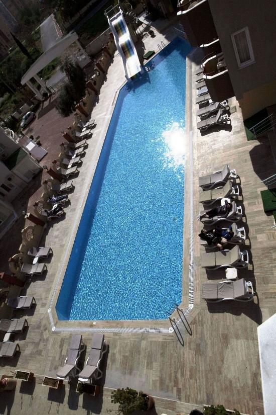 라라 하드리아누스 호텔