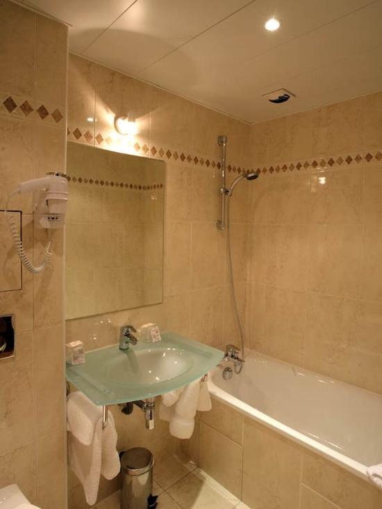 121 Hotel Paris