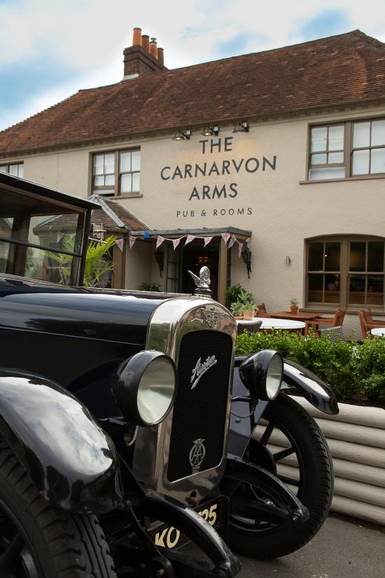The Carnarvon Arms Hotel