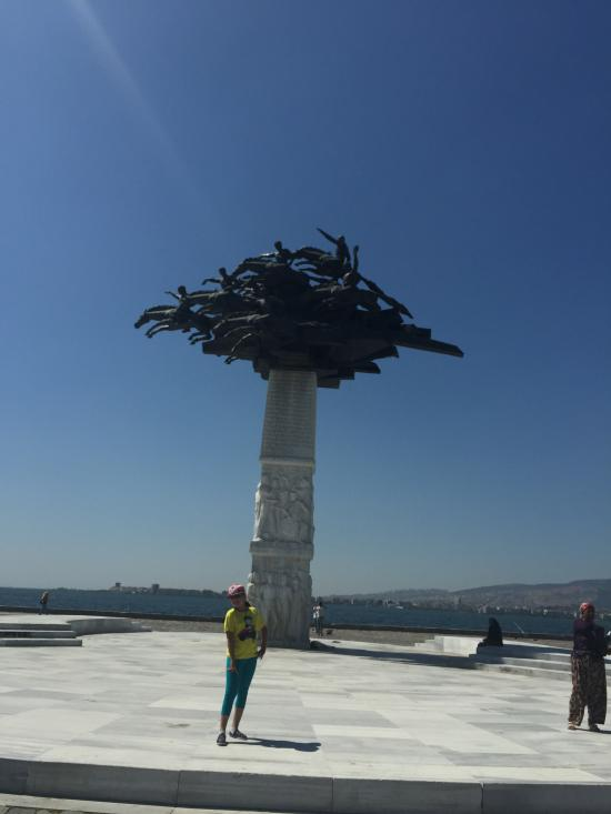 The Statue Of Ataturk Izmir Province 2020 All You Need To Know Before You Go With Photos Tripadvisor