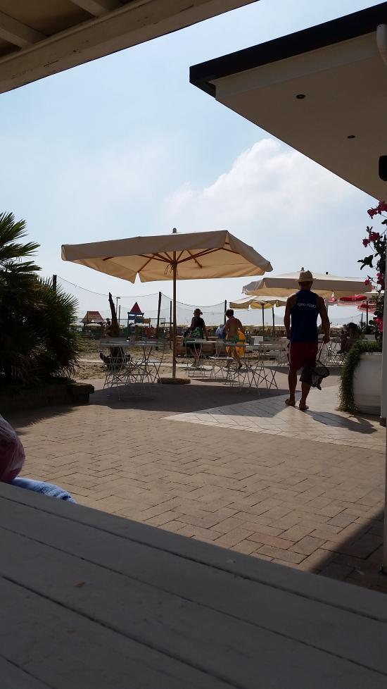 Hotel antonella reviews price comparison lido di for Bagno korasol