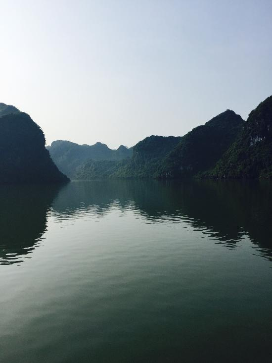 Things To Do in Oasis Bay Classic Cruise - Halong Bay, Restaurants in Oasis Bay Classic Cruise - Halong Bay