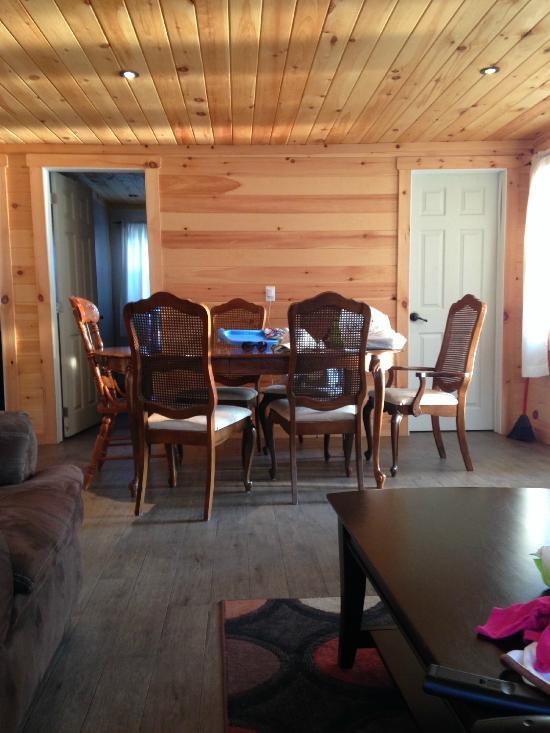 Bevaline Cottages & Camping