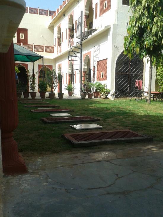Devi Niwas Hotel