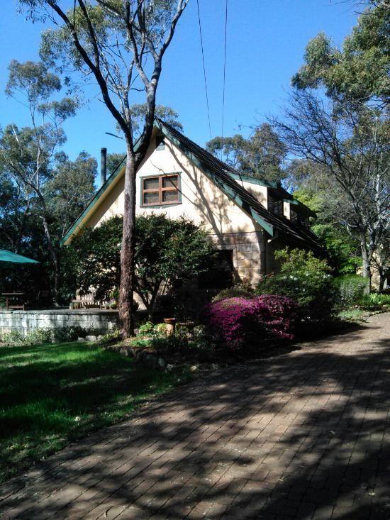 Rose Lindsay Cottage