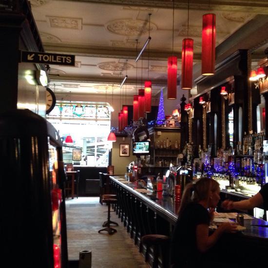 Scottish Pub Bar: Restaurant Reviews & Photos