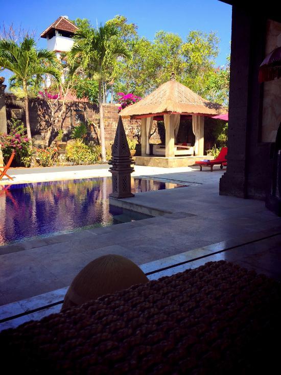 Lagen Cliff Villa Bali