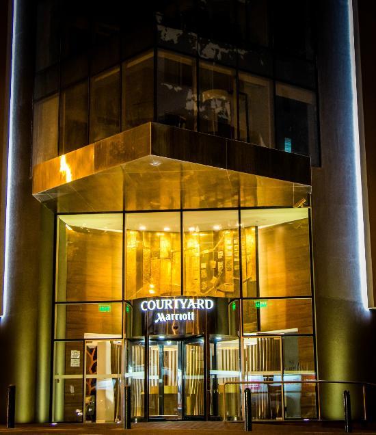 Resultado de imagen para hotel courtyard miraflores