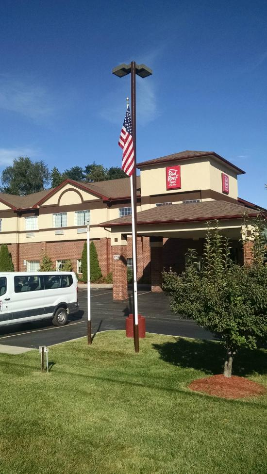 Red Roof Inn & Suites - Lake Orion/Auburn Hills