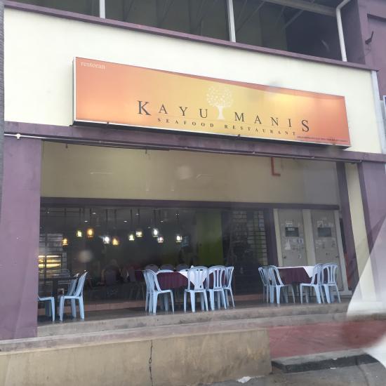 Kayu Manis Restaurant Nusa Lembongan