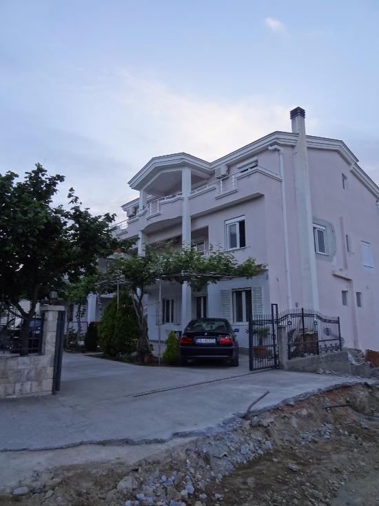 Apartments Perezaj