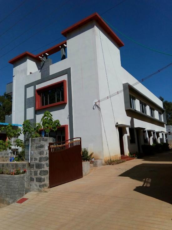 Sri Silver Inn